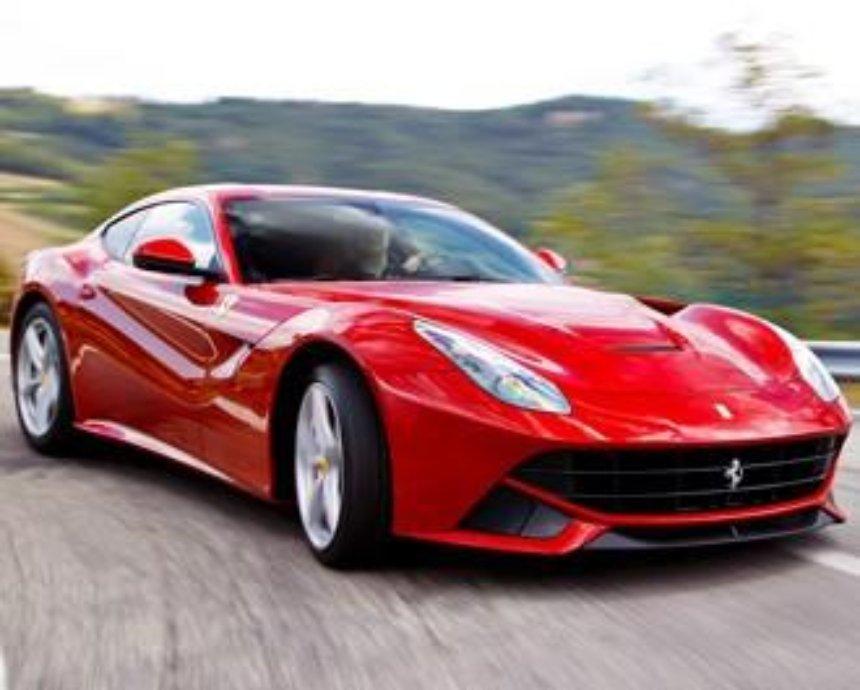 В Киеве на ходу загорелась Ferrari