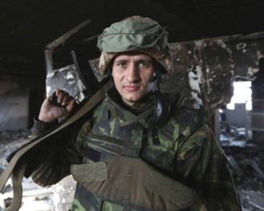 «Вернись живым»: собираем на радиостанции и ретранслятор для бойцов в донецком аэропорту