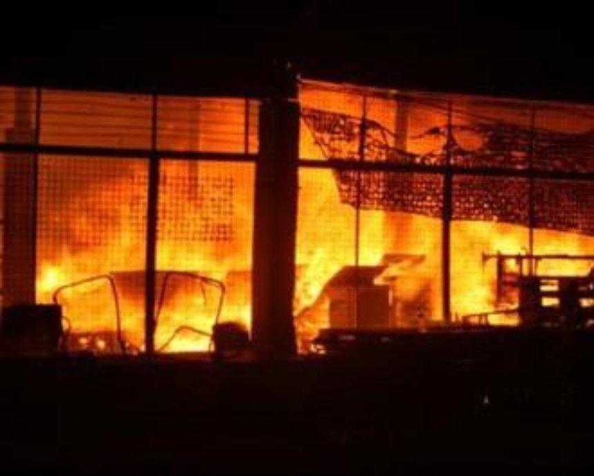 В Киеве из супермаркета эвакуировали людей из-за пожара