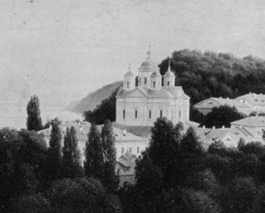 В бывших владениях Януковича хотят возродить Межигорский монастырь