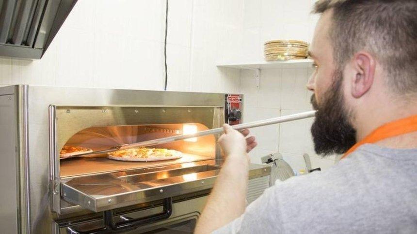 Вот-вот откроются: Pizza Veterano показала обновленный фасад