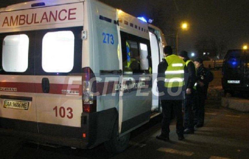 Жажда скорости: в столице пьяный водитель сбил полицейскую, которая оформляла ДТП (фото)
