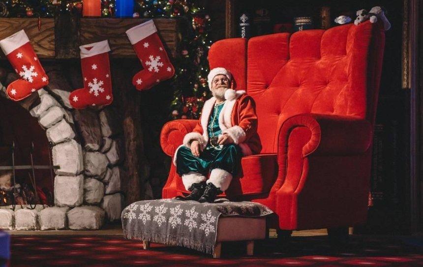 """Встигнути все: """"Резиденція Діда Мороза"""" на ВДНГ працює останні дні"""