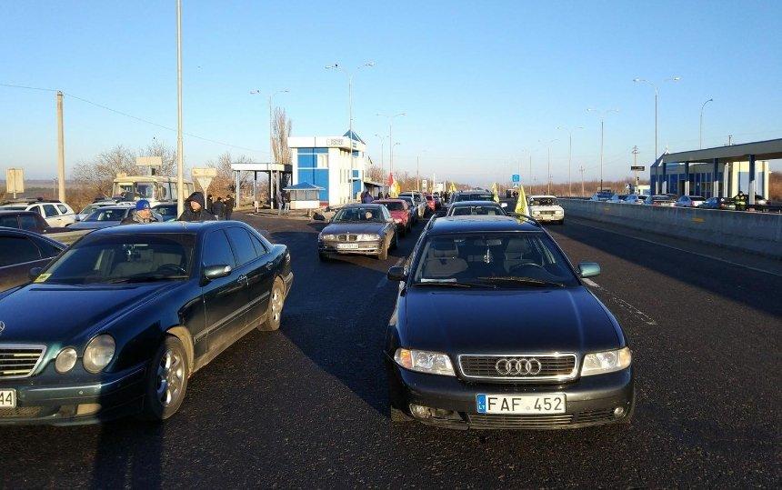 На литовских номерах: владельцы машин с иностранной регистрацией перекроют въезды в город