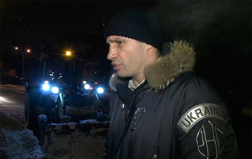Кличко показал видео своей ночной инспекции по дорогам столицы (видео)