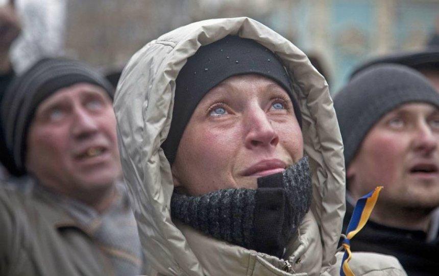 """""""Больше чем жизнь и смерть"""": в Киеве открывается выставка британского фотографа, посвященная Майдану"""