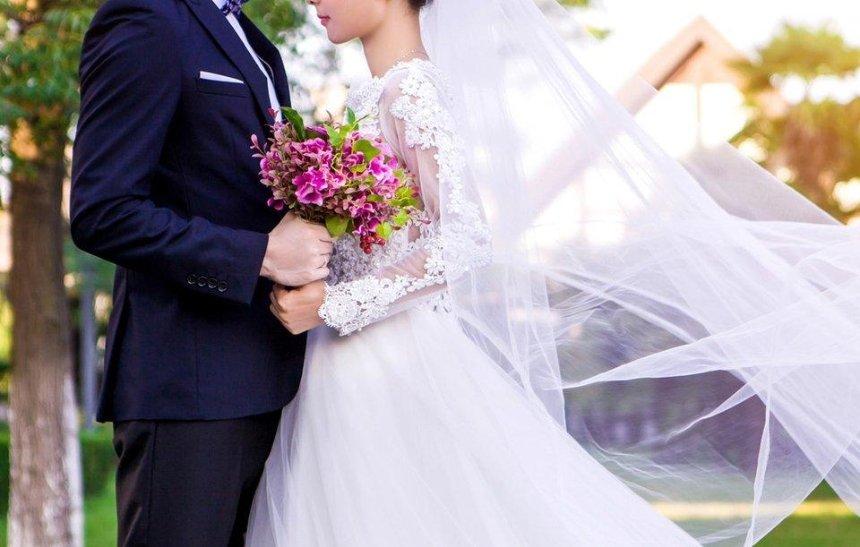 Украинским семейным парам предлагают повторно сыграть свадьбу