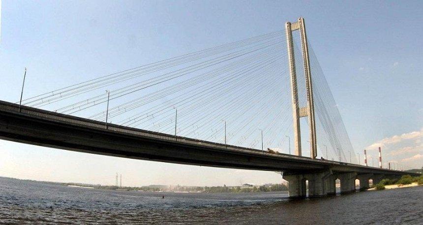 На Южном мосту временно ограничат движение