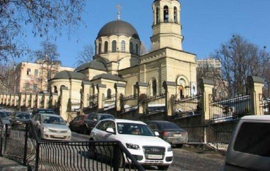 Коммунальщики передумали вводить одностороннее движение на улице Шелковичной