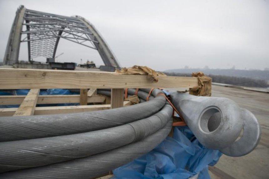 Киев получил первые натяжные тросы для Подольско-Воскресенского моста