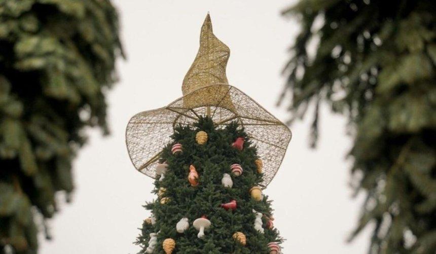 НаСофийской площади демонтировали волшебную шляпу: что сней будет