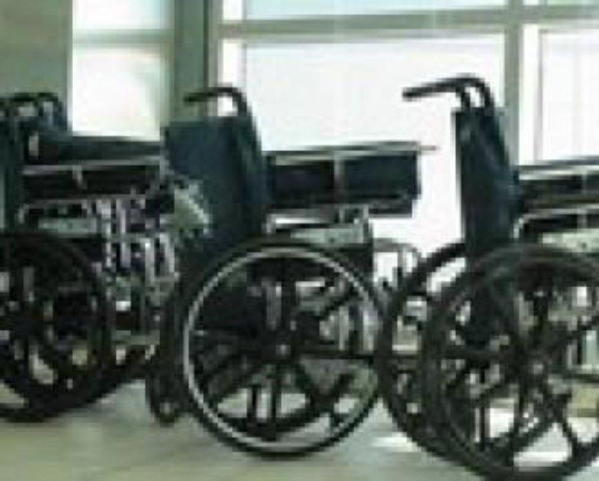 Попов просит депутатов помочь ветеранам и инвалидам