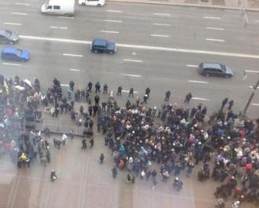 Активисты перекрыли Крещатик, протестуя против Кличко (фото)