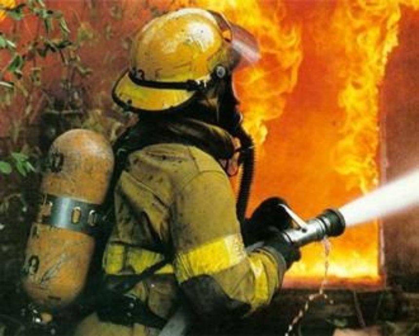 Под Киевом ночью горели склады