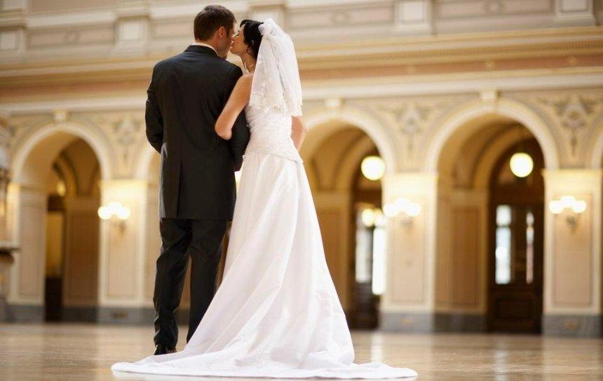 В День влюбленных можно будет пожениться за сутки