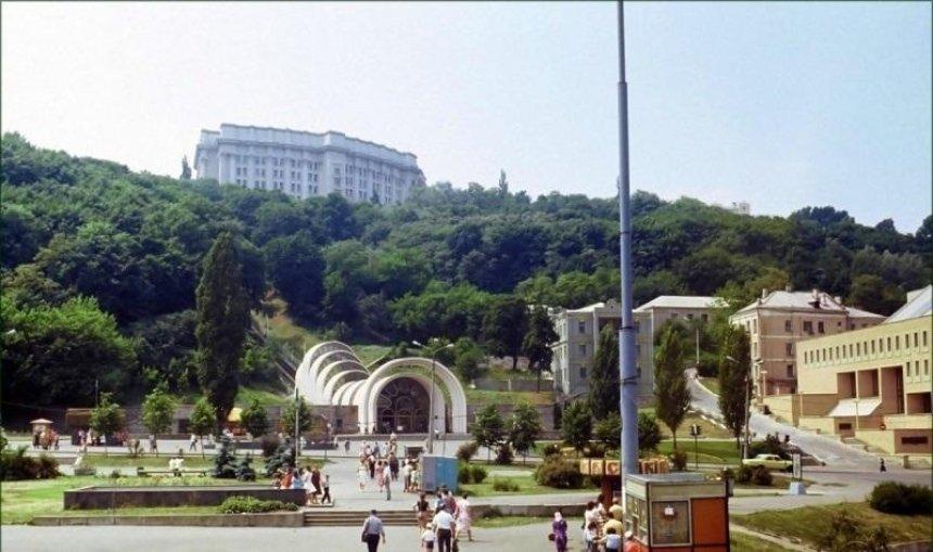 Активная застройка, реконструкция фуникулера и НЛО: чем запомнился Киеву 1983 год
