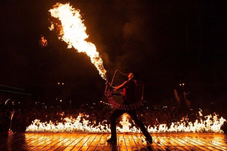 Огненный орган и фаер-батлы: на Певческом поле пройдет фестиваль огня