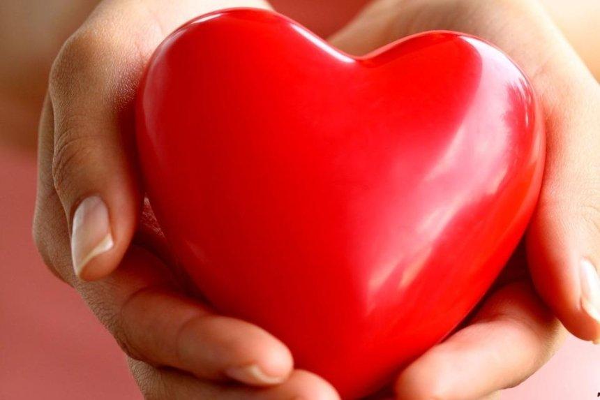 Спасти чью-то жизнь: киевлянам предлагают сдать кровь в День всех влюбленных