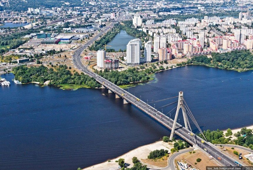 Суд отменил переименование проспекта Бандеры и других улиц