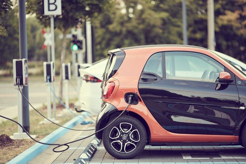 На украинских дорогах построят сеть станций для быстрой зарядки электромобилей