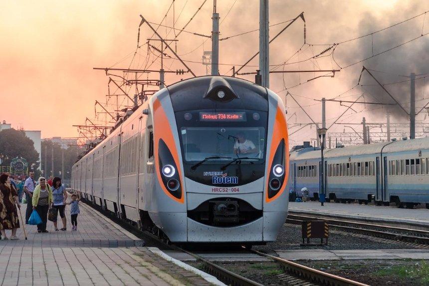 «Укрзалізниця» снова собралась внедрять Wi-Fi в пассажирских поездах