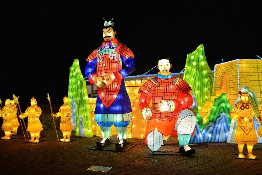 В Киеве пройдет фестиваль гигантских китайских фонарей: где и когда