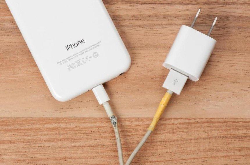 Apple планирует создать «вечный» кабель для смартфонов