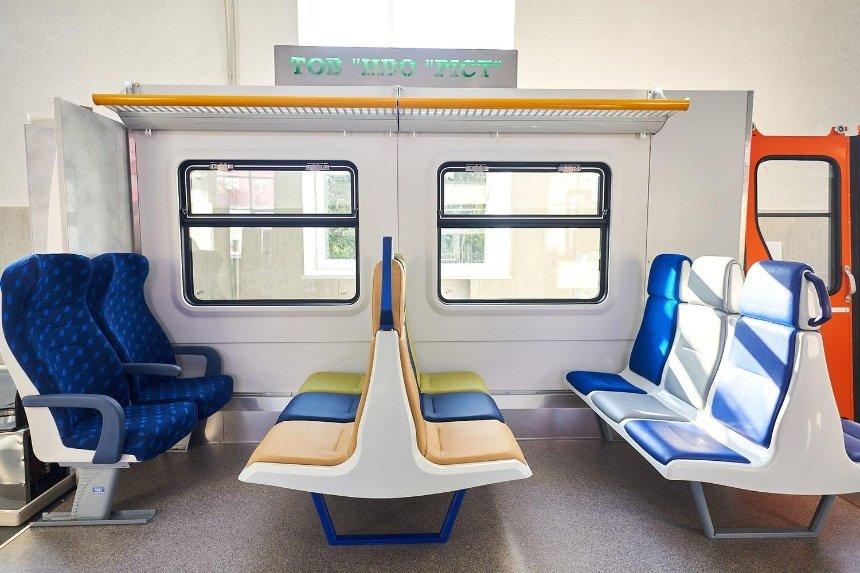 В пригородных электричках хотят установить новые сиденья, окна и двери