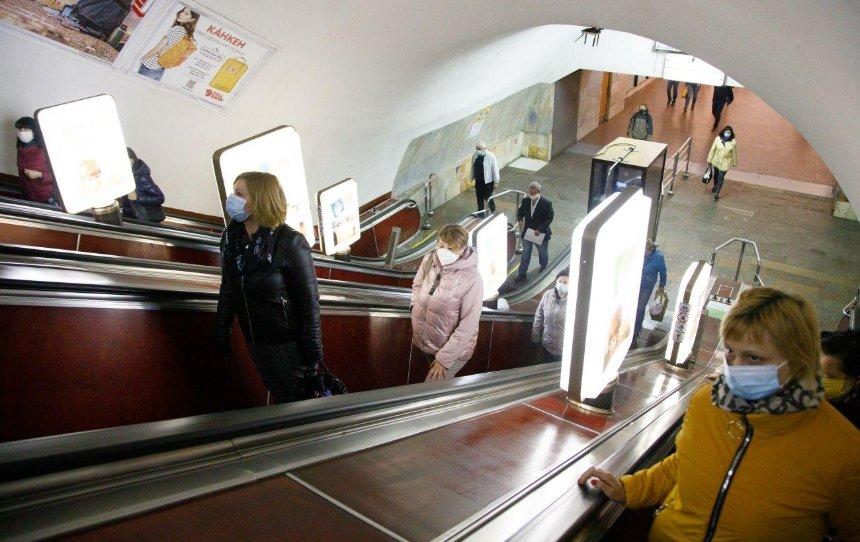Настанции метро «Лукьяновская» будут ремонтировать эскалаторы