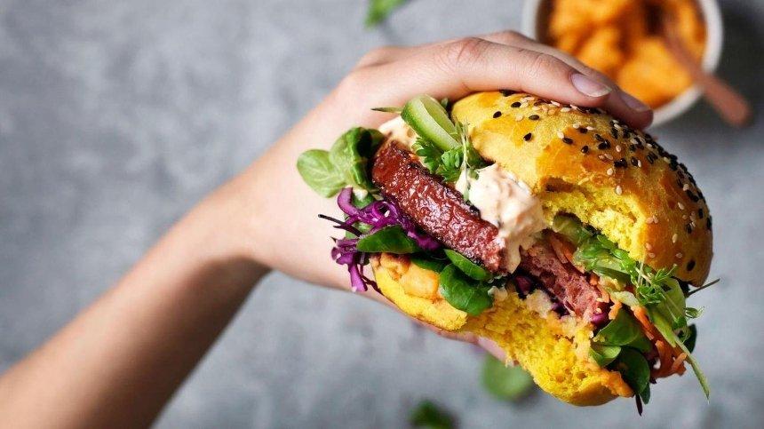 Nestle запускает продажу продуктов из растительного мяса в Украине