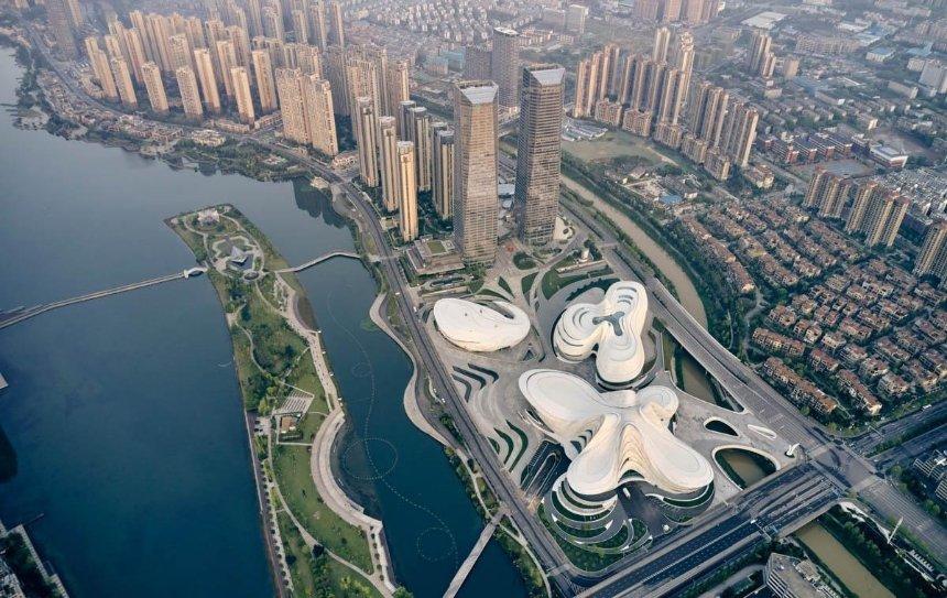 ВКитае Zaha Hadid спроектировало центр искусства ввиде крыльев