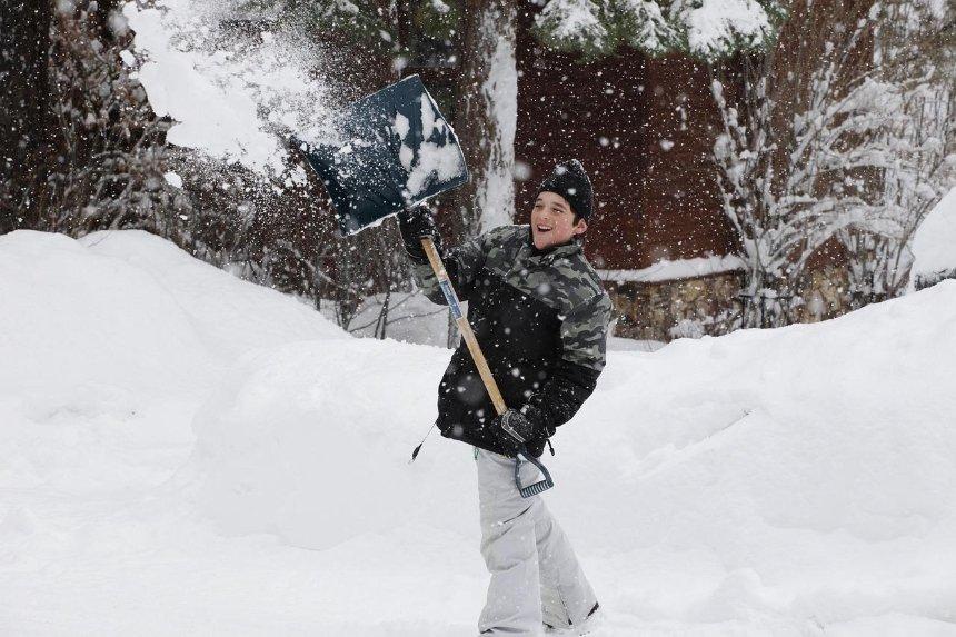 Снегопад в Киеве: сколько составили протоколов за некачественную уборку снега