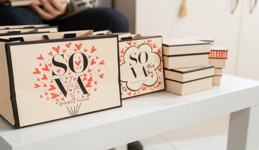 Сто тисяч сердець: клієнти SOVA отримали унікальні ілюстрації доДня закоханих