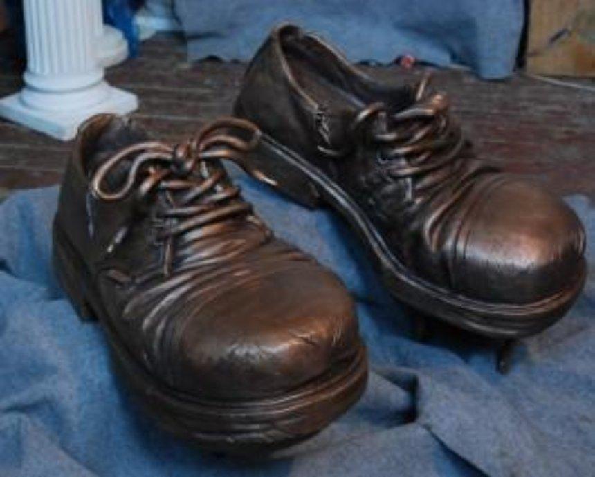 Чей туфля? Новая уличная скульптура в Киеве
