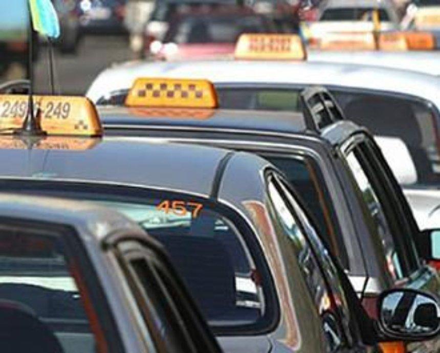 Из-за таксистов-нелегалов Киев ежемесячно теряет 4 миллиона гривен