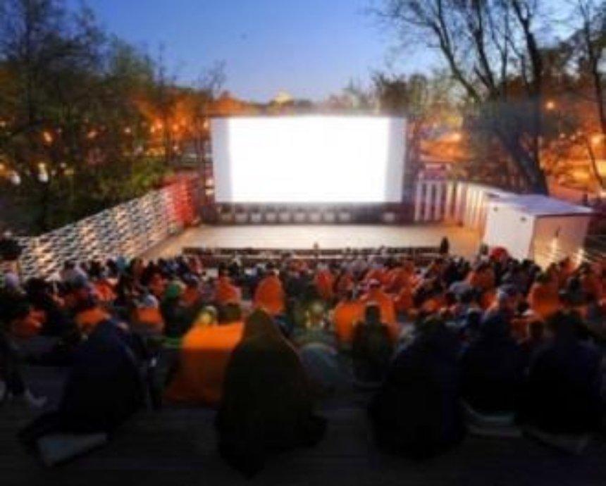 На ВДНХ откроют большой летний кинотеатр