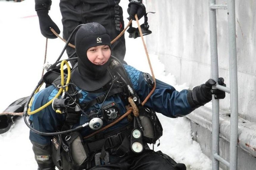Первая женщина-водолаз вышла на службу в Киеве (фото)