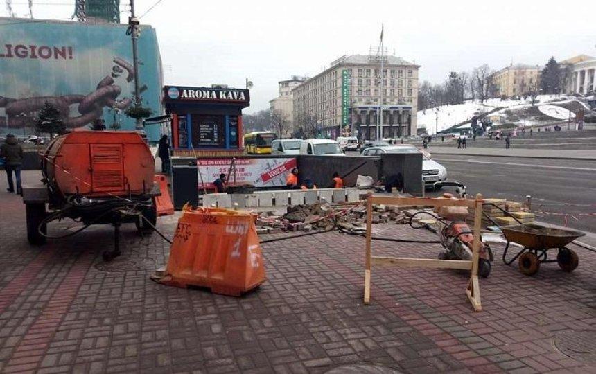 В переходе на Майдане Незалежности начали ремонт (фото)