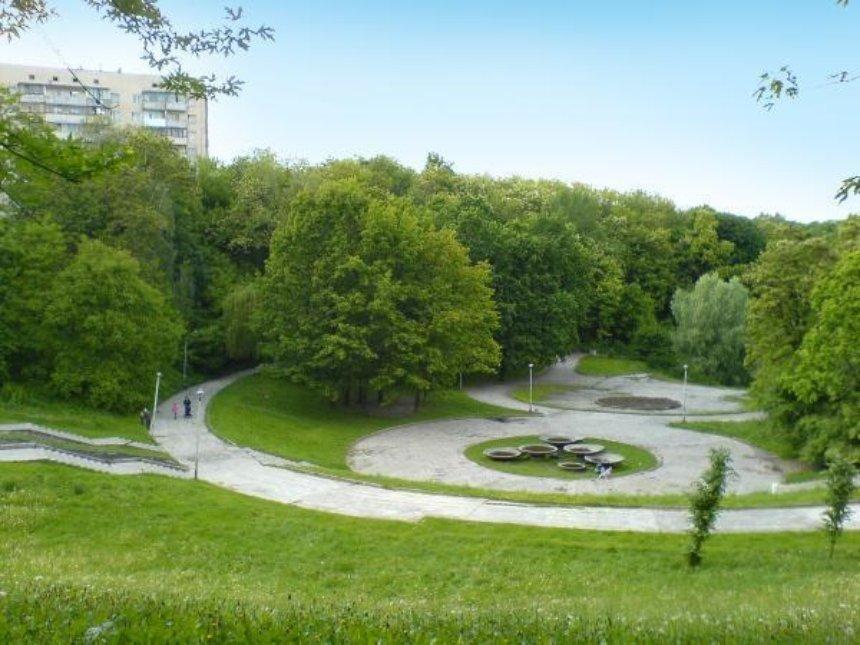 На Соломенке реконструируют ландшафтный парк