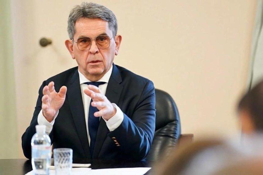 Министра здравоохранения Емца обвинили в блокировке госзакупок для борьбы с коронавирусом