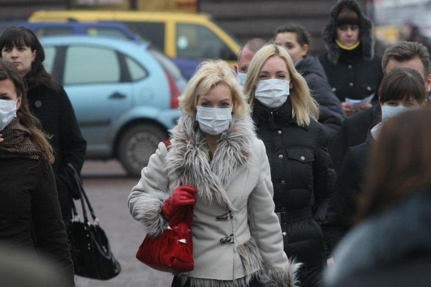 Маски для работников метро и дезинфекция вокзалов: КГГА ввела новые меры защиты от коронавируса