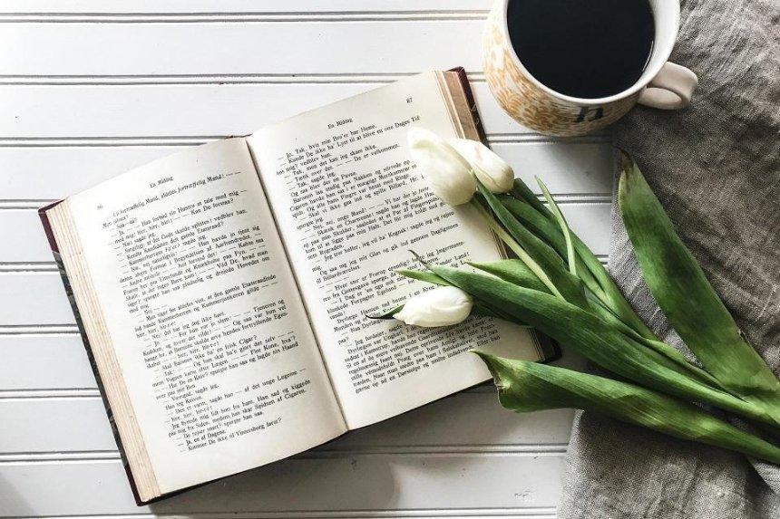 Украинцам предлагают поделиться счастливыми историями: на их основе напишут книгу