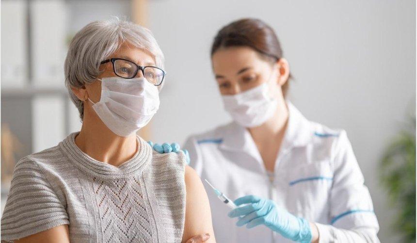 ВОфисе президента анонсировали начало вакцинации откоронавируса вчастных клиниках