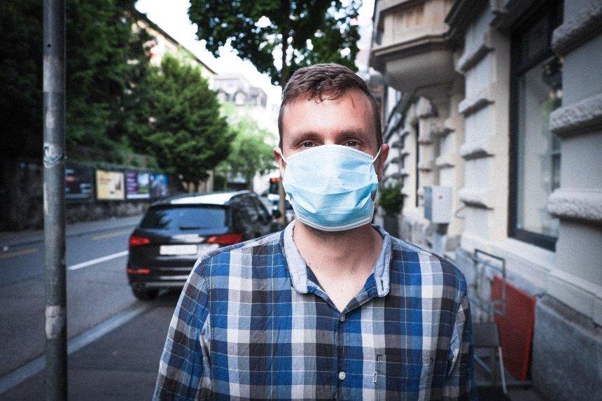 Кабмин запретил ходить без масок по улицам и паркам в «красной» зоне