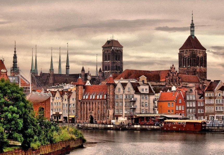 Польша ввела новые правила въезда для туристов: что изменилось