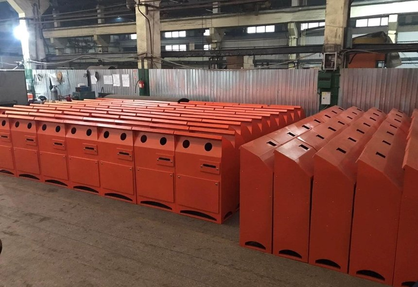 В Киеве поставят более 200 новых контейнеров для опасных отходов: адреса можно предлагать
