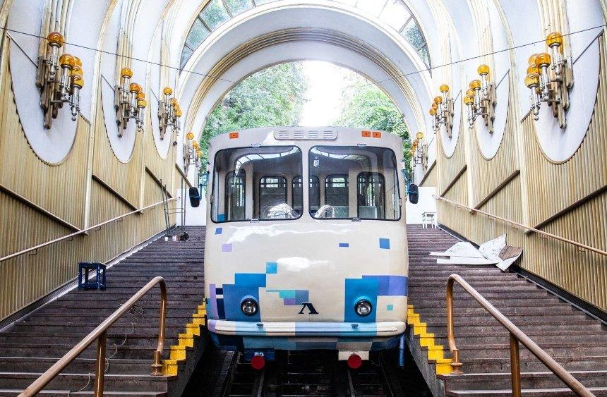 На Киевском фуникулере заменят вагоны — впервые за почти 40 лет