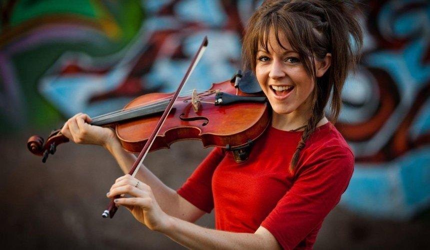 ВКиеве сконцертом выступит американская скрипачка Lindsey Stirling