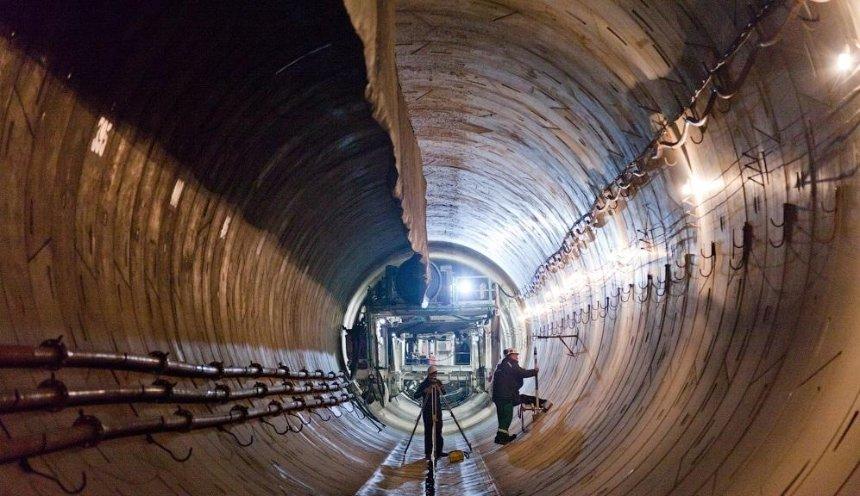 Метро на Виноградарь: рабочие прорыли 792 метра туннеля