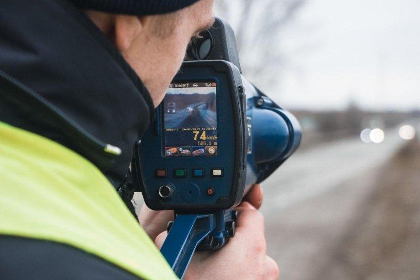 На украинских дорогах появились еще 60 измерителей скорости TruCAM